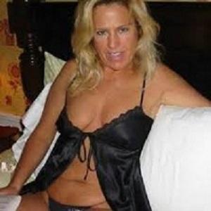 rencontre avec Blonde coquine cherche un plan sexe sur Alfortville